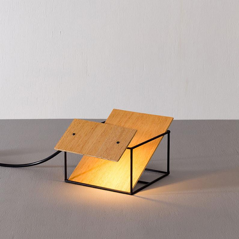 Luminária de Aço Solta