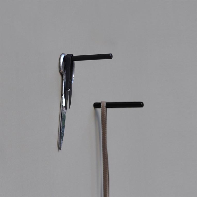 Pendurador de Parede em Metal Ponto