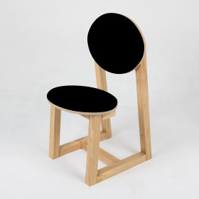 Cadeira em Madeira Maciça Uma Só