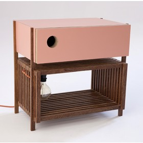 Mesa de Cabeceira com Pé e Luminária Embutida Ripa