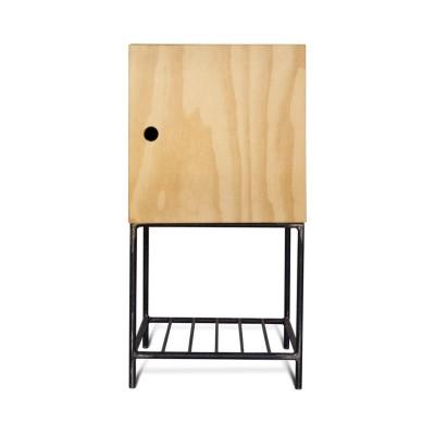 Mesa de Cabeceira em Ferro e Madeira com Porta Modelo Bruta