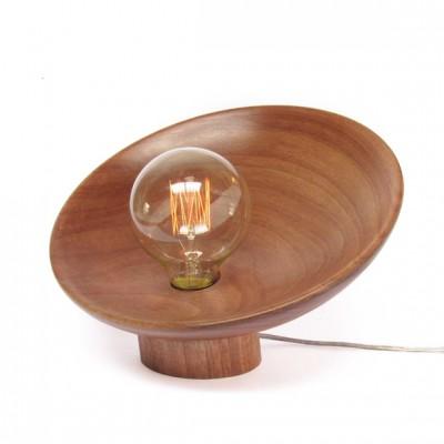 Luminária de Mesa em Madeira Jequitibá Égide - Plug Design