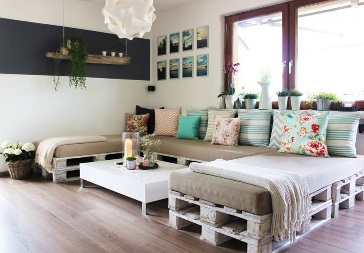 Resultado de imagem para decoração cama e sofá de paletes