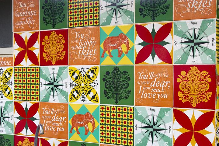 Como aplicar adesivos de azulejos for Nova casa azulejos