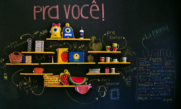 O guia definitivo de como fazer e decorar com parede lousa: materiais, preços e fotos