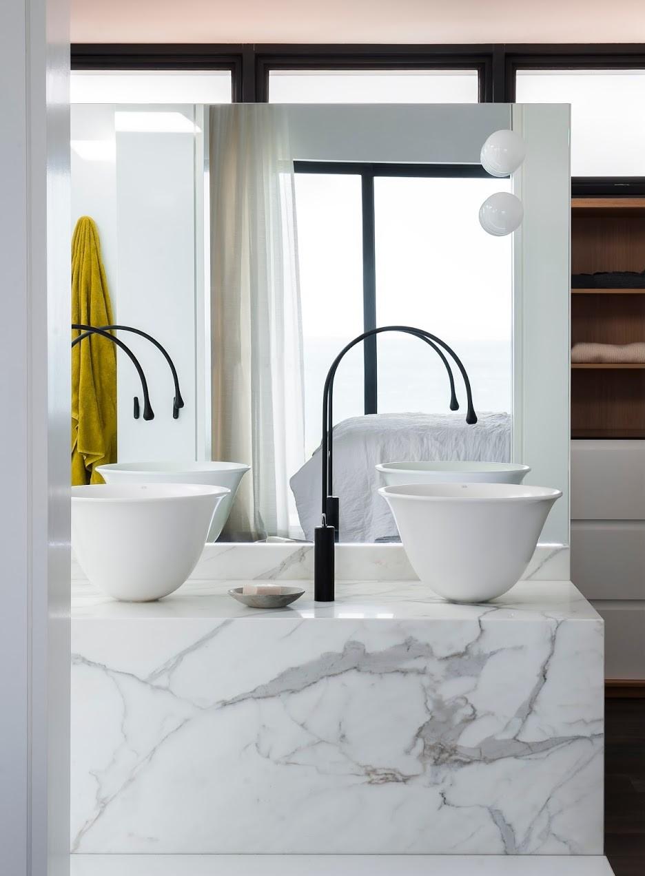 Bancadas no banheiro 14 dicas de materiais e projetos para se inspirar -> Onde Comprar Pia De Banheiro