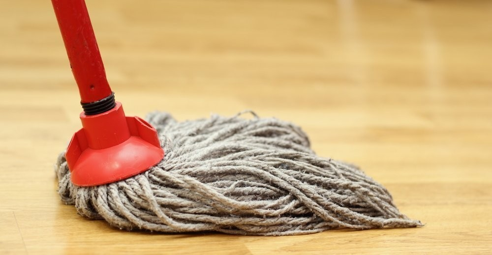 Fuja da sujeira: saiba quais tipos de pisos sujam menos