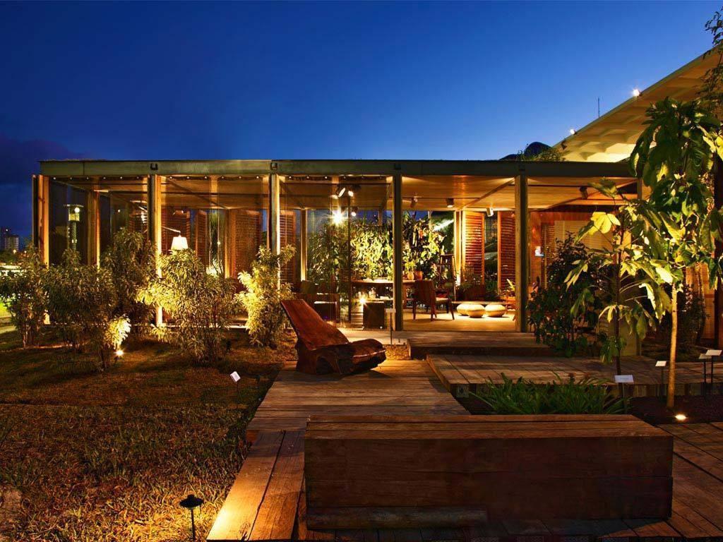 Dicas de iluminação para jardins e áreas externas