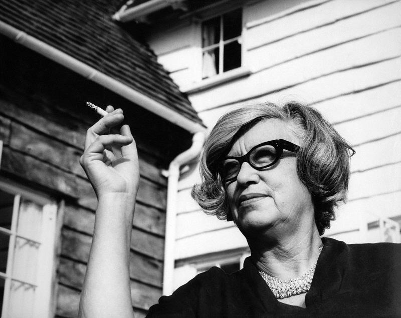 Jane Drew (1911-1996), arquiteta e a primeira professora a lecionar na Universidade de Harvard