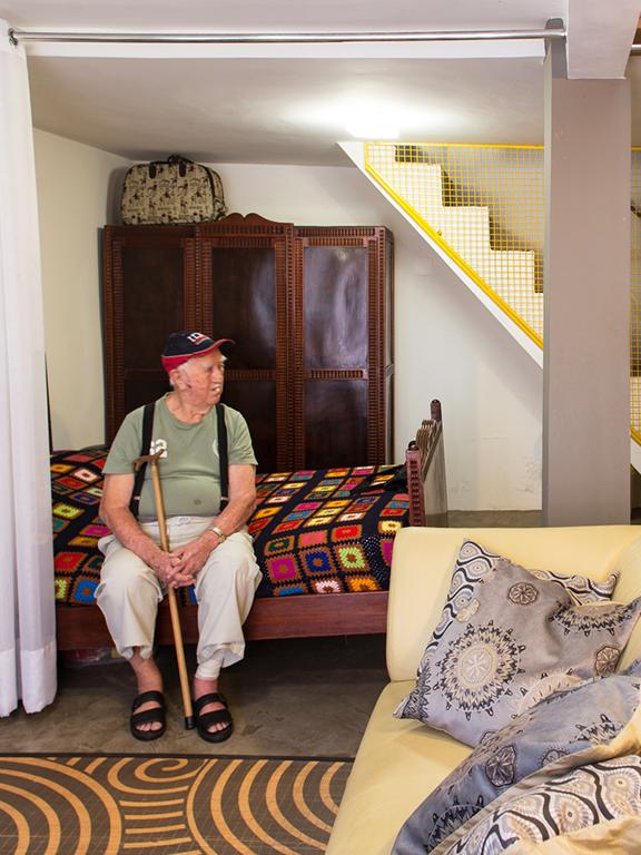 Acessibilidade: arquitetos reformam casa do avô da família - Hometeka
