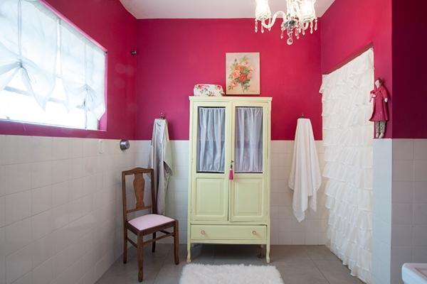 pintura-parede-banheiro-colorido-tinta